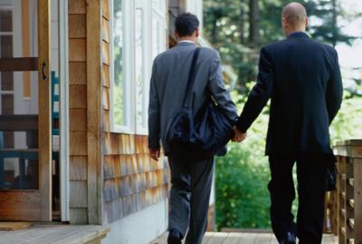 Os casos de homofobia ultrapassaram os de xenofobia, que acontecem com naturalidade nas redes sociais.
