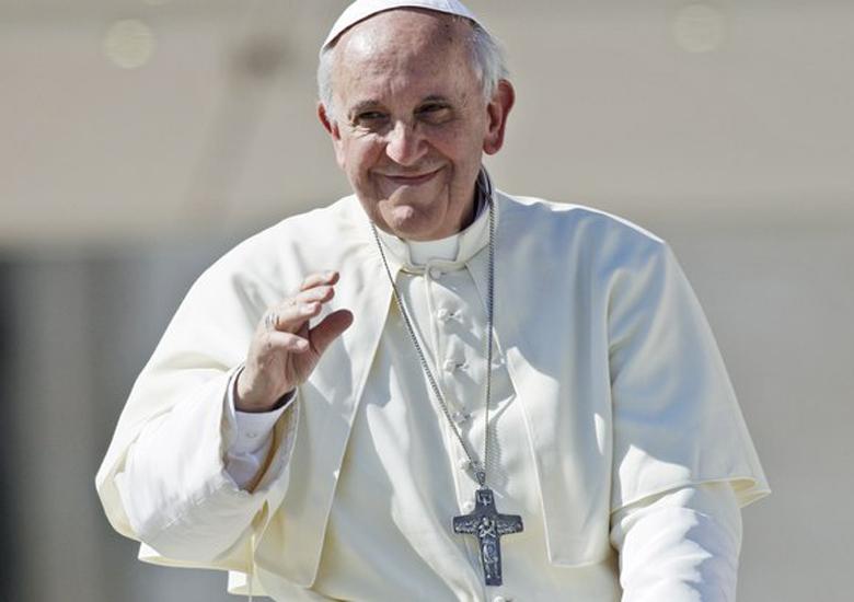 O papa Francisco tem demostrando ter uma postura mais aberta à comunidade gay do que seu antecessor Bento XVI
